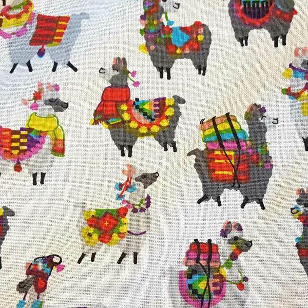 Stoff Baumwolle Meterware Lama bunt weiß Mexiko Anden Kleiderstoff 0,5
