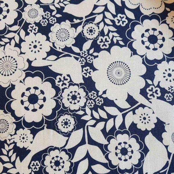 Stoff Meterware Baumwollstoff Riley Blake Blumen blau c2861