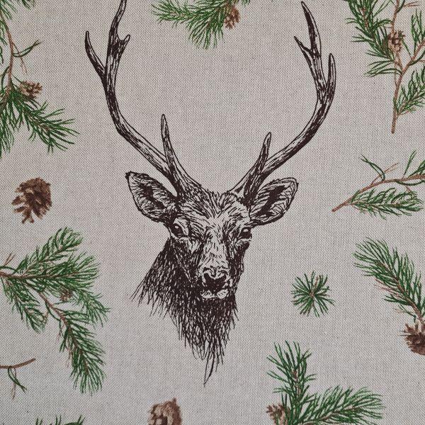 Stoff Baumwollstoff natur Hirsch im Wald 0,5 Weihnachtsstoff