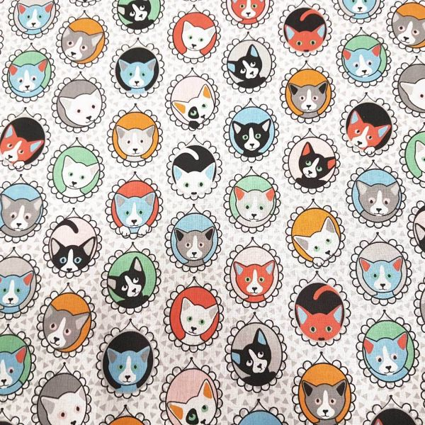 Stoff Baumwolle Meterware Katzen Portrait Bilder weiß bunt Frankreich
