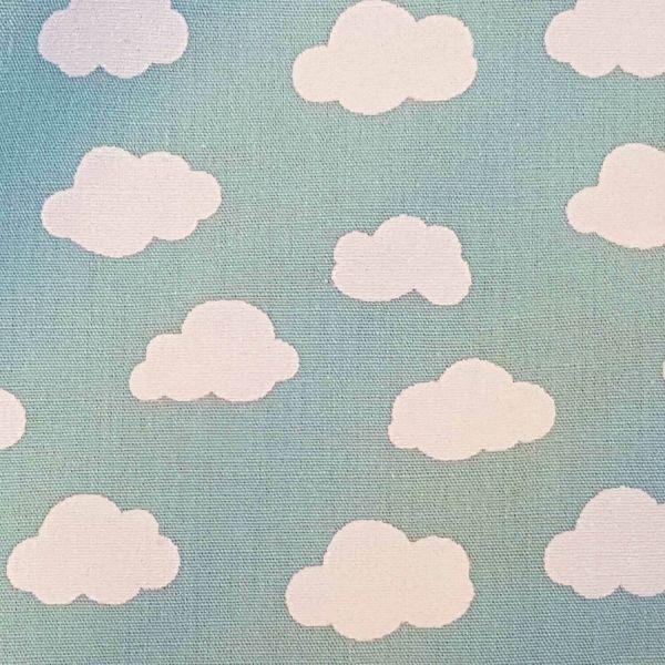 Stoff Meterware Baumwolle hell mint Wolken Popeline 0,5