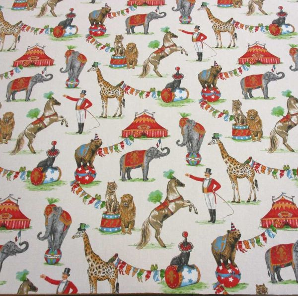 Stoff Baumwolle Zirkus Nostalgie Elefant Giraffe Löwe Zirkuszelt Dompteur