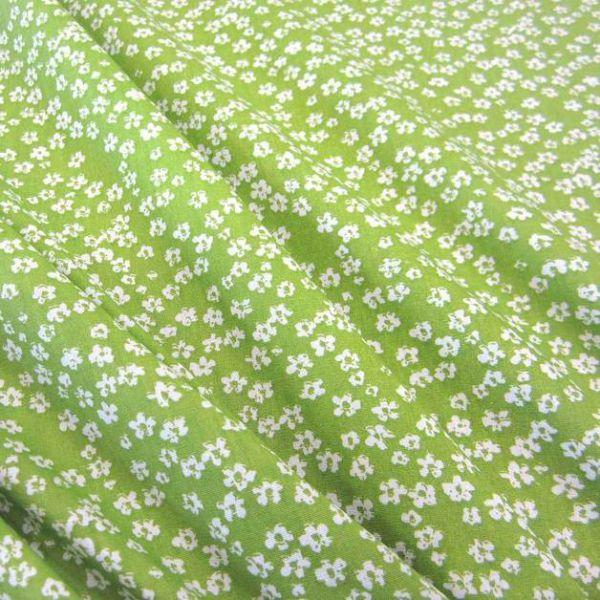 Stoff Baumwollstoff Mille Fleur Streublümchen Blumen grün weiß