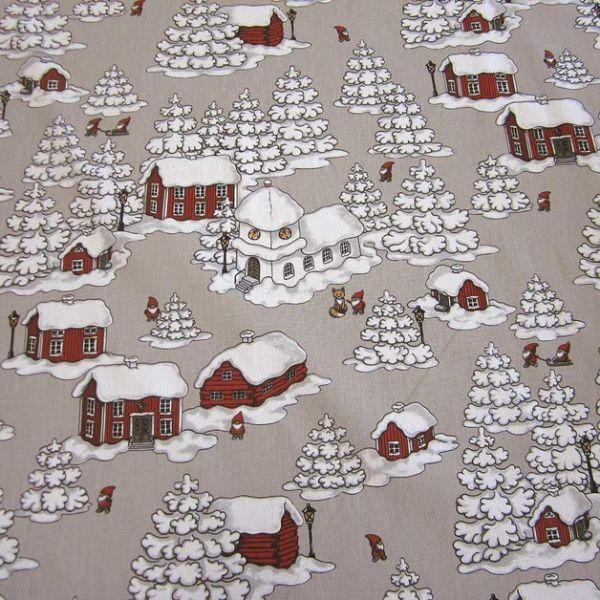 Stoff Baumwolle taupe Wichtel Zwerge Schnee Haus