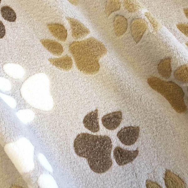 Stoff Meterware Wellness Fleece Pfoten Tatzen hellbeige beige weiss braun