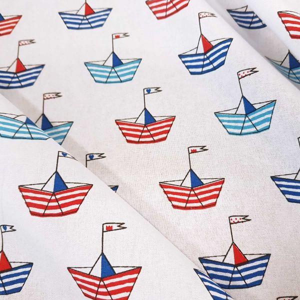 Stoff Meterware Papierschiffchen Boot weiß rot blau Digitaldruck Schiff Perkal
