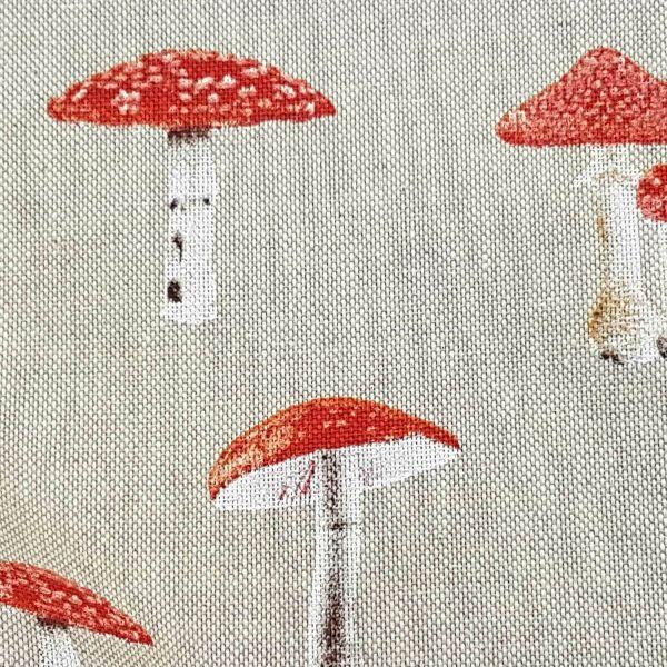 Stoff Meterware Baumwolle pflegeleicht natur Fliegenpilze 0,5
