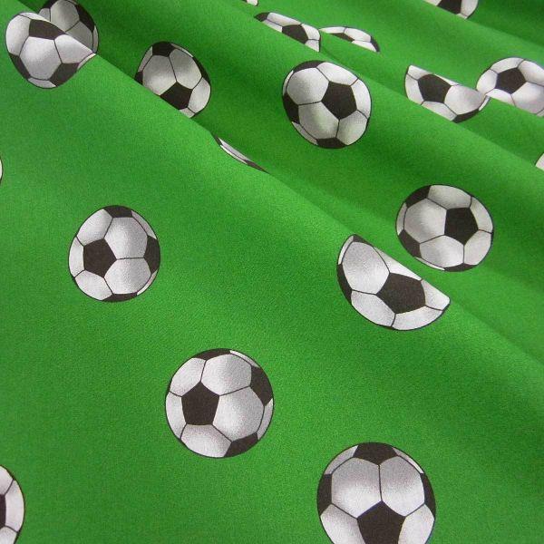 Stoff Meterware Baumwolle Fußball Fussball grün Rasen Dekostoff Schultüte Ball 0,5