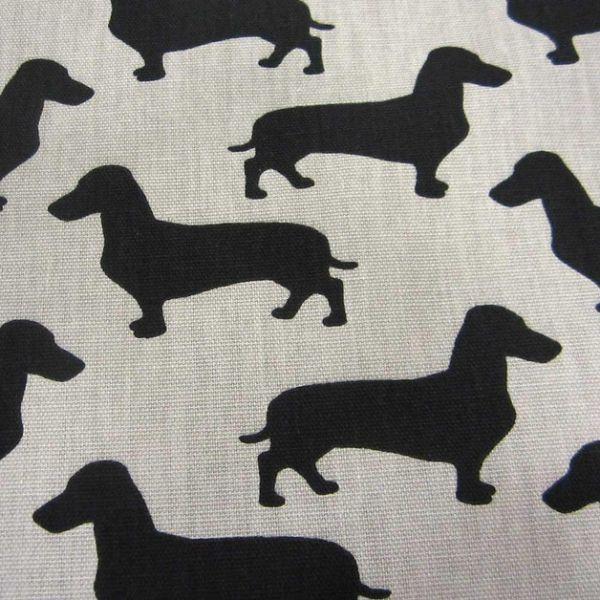 Kurzstück Stoff Baumwolle Waldi Dackel natur helltaupe schwarz Hund 0,60m x 1,50m