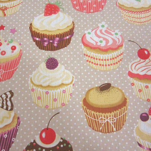 Stoff Baumwolle Muffins Cupcakes beige Punkte Törtchen