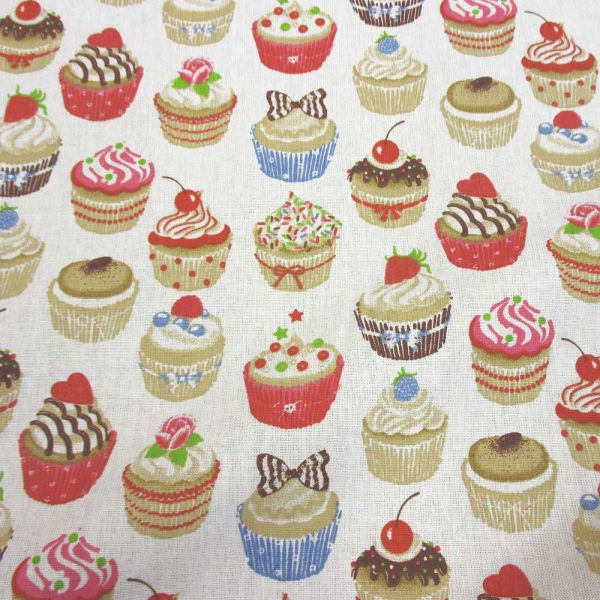 Stoff Baumwolle Muffins Törtchen Cupcakes klein weiss bunt