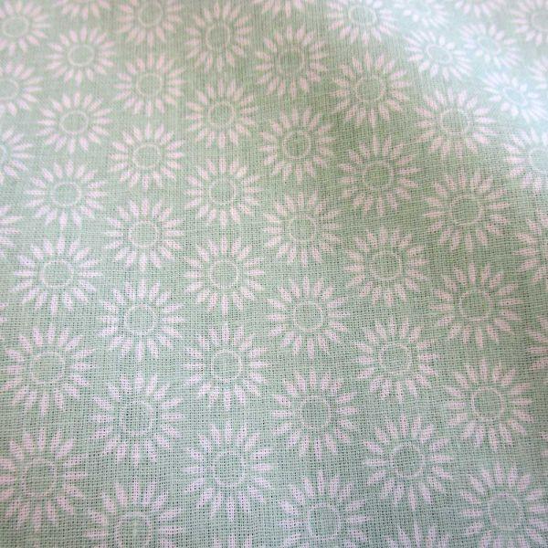 "Stoff Baumwolle Blume mint celadon weiß Grafik ""Sole"""