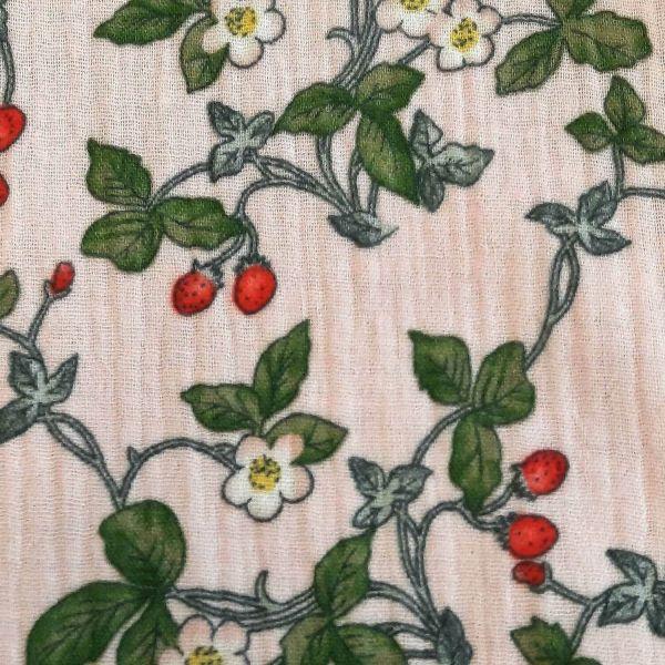 Stoff Meterware Baumwolle Musselin rosa grün Erdbeeren Walderdbeeren Windeltuch 0,5