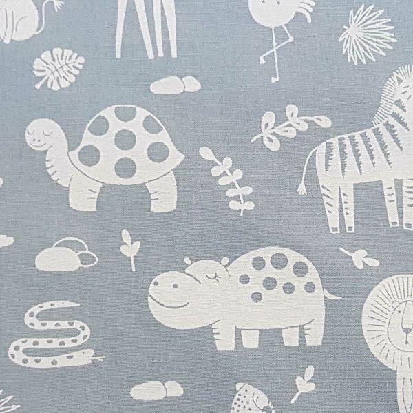 Stoff Meterware Baumwolle grau Tiere Giraffe Nilpferd Popeline 0,5