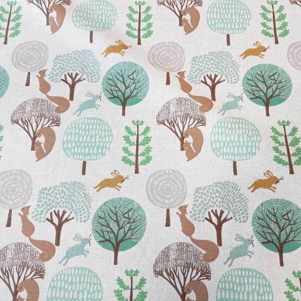 Stoff Meterware Baumwollstoff beige braun grün Hase Eichhörnchen Wald Bäume 0,5